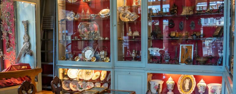 Visite guidée magasin d'Antiquités Bastian